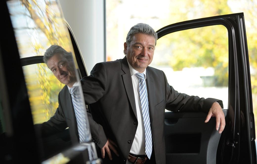 Autoverkäufer / Unternehmensfotografie