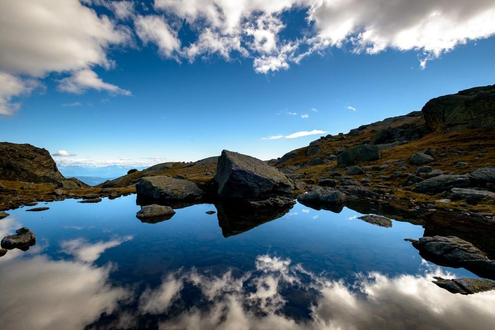 Wolkenspiegelung, Spronser Seen im Naturpark Texelgruppe, Südtiroler Alpen