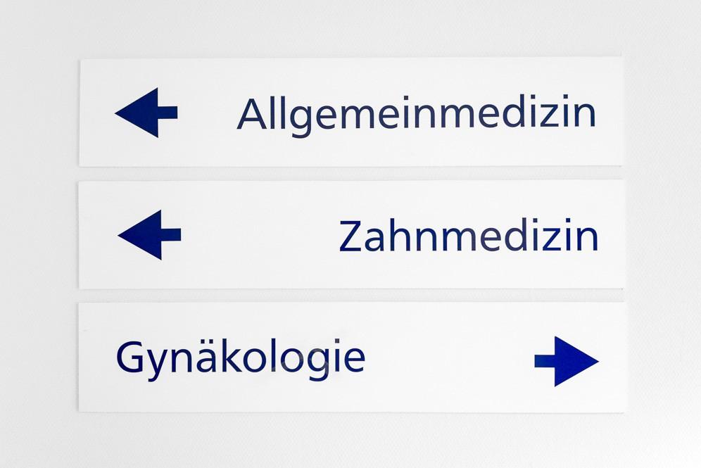 Richtungsanzeiger für Allgemeinmedizin, Zahnmedizin und Gynäkologie